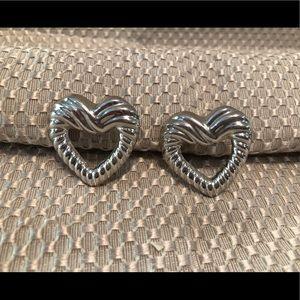 Jewelry - Adorable heart stud silver earrings
